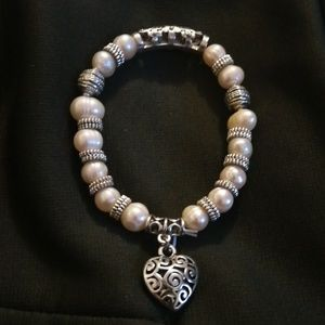 Jewelry - Silver pearl braclet